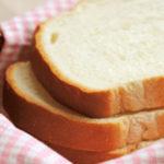 ハートに刺さった食パン